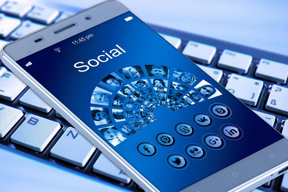 social-media-marketing-professione-futuro-corsi-web-italia